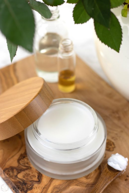 Low PUFA overnight face mask with squalane oil