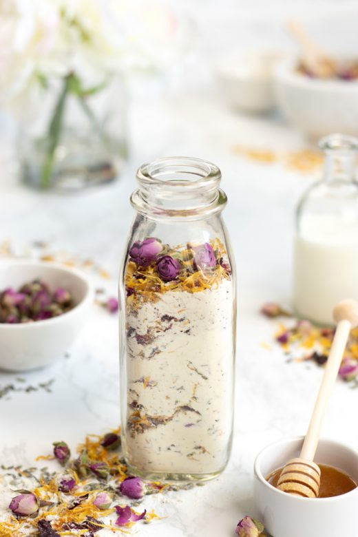DIY floral bath soak with milk and honey
