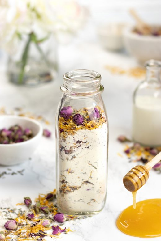 DIY milk and honey bath soak
