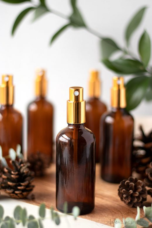 DIY holiday room spray with essential oils