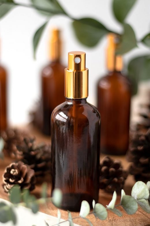 DIY essential oil room spray for Christmas